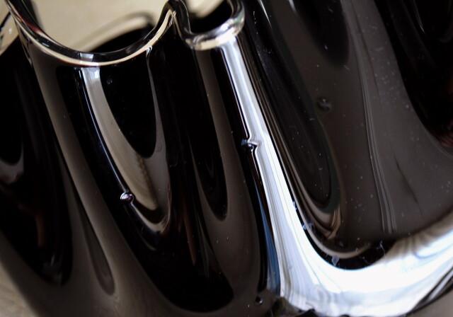 昭和レトロ ミッドセンチュリー ブラックガラスのフラワーベース オブジェ