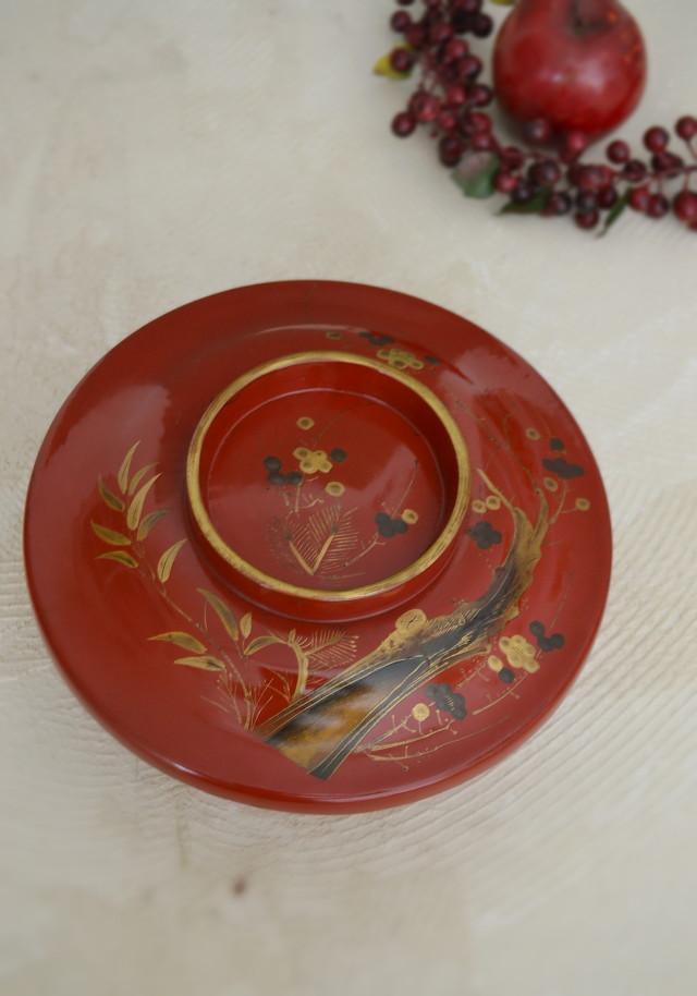 漆蒔絵の菓子器  蓋付  「松竹梅紋」