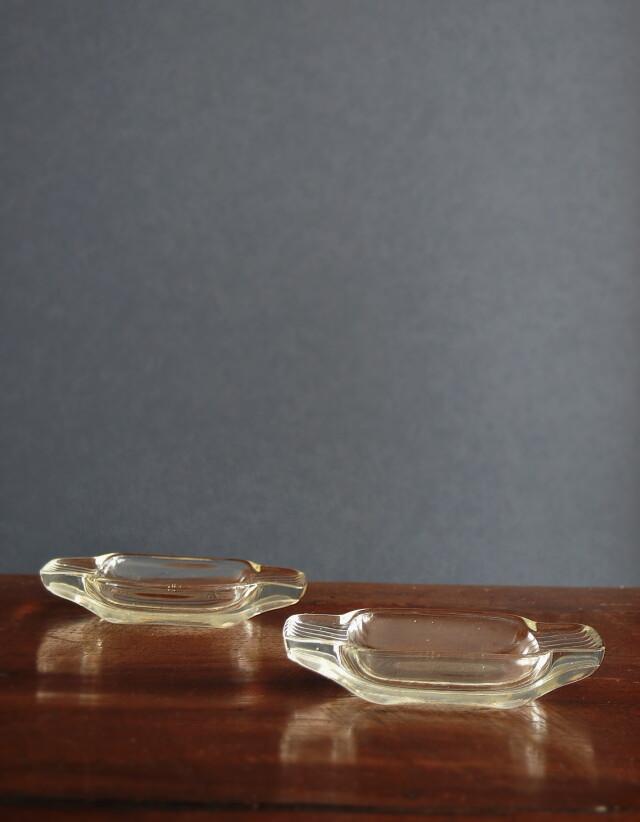 硝子のアクセサリートレイ ガラス皿  昭和レトロガラス