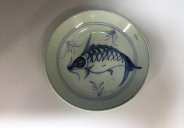 中国草魚図皿