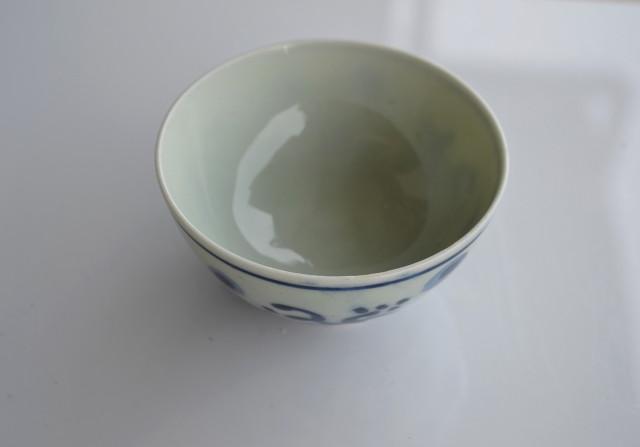 染付手描き露芝蛍煎茶茶碗