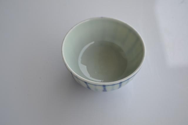 染付手描き麦わら手煎茶碗